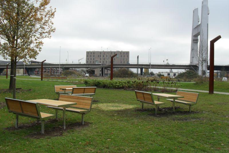 Vari prodotti per l'arredo urbano di un parco e zona pedonale in Belgio